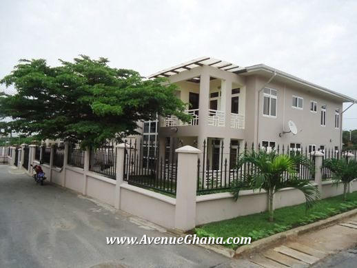 Executive 5 bedroom furnished house for sale in Ridge, Accra