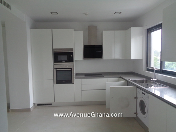 Kitchen: Executive 2 bedroom apartment to let at Cantonments in Accra