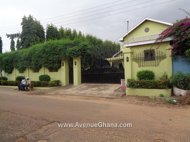 1 4 bedroom house to let at East Legon near Akyeapong Junction Accra