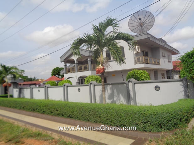 5 bedroom house with swimming pool and 4 bedroom outhouse for rent in East Legon, Accra