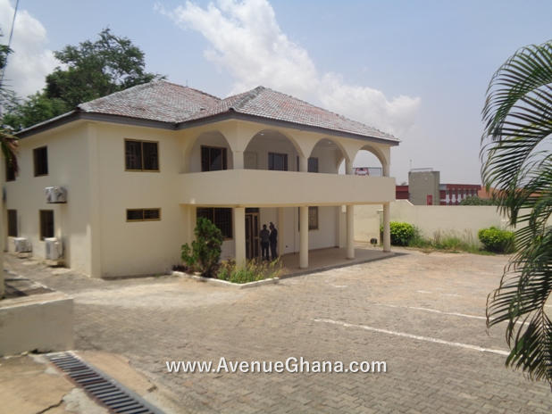 Commercial Property for rent: Executive office building to let at Airport Residential Area, Accra Ghana
