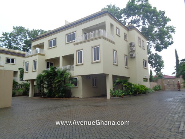 4 bedroom townhouse for rent at Roman Ridge near Airport Residential Area, Accra Ghana