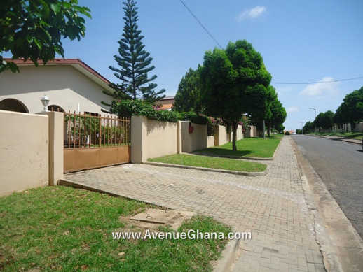 3 bedroom house with 2 bed outhouse for sale in Regimanuel Estates Spintex in Accra Ghana