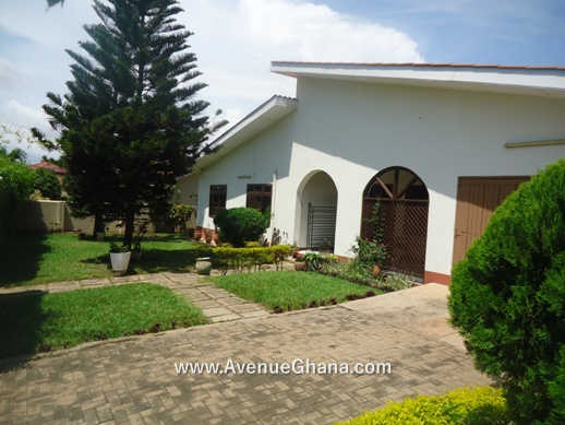 3 bedroom house with 2 bed outhouse for sale in Regimanuel Estates Spintex 2