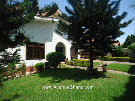 3 bedroom house with 2 bed outhouse for sale in Regimanuel Estates Spintex 3