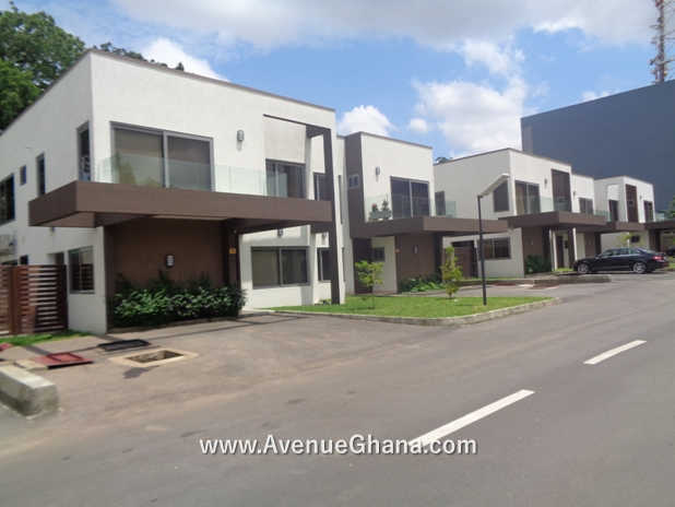1 Executive 4 bedroom furnished townhouse for rent at North Ridge in Accra