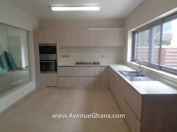 4 Executive 4 bedroom furnished townhouse for rent at North Ridge in Accra