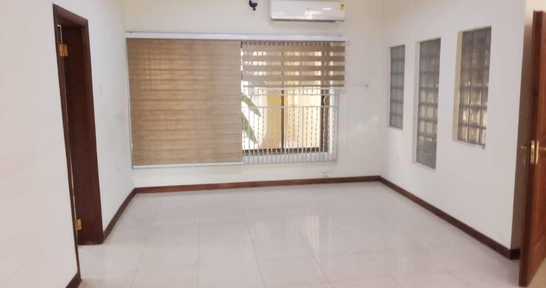 5 bedroom house for rent near the Bank Hospital at Cantonments in Accra 10
