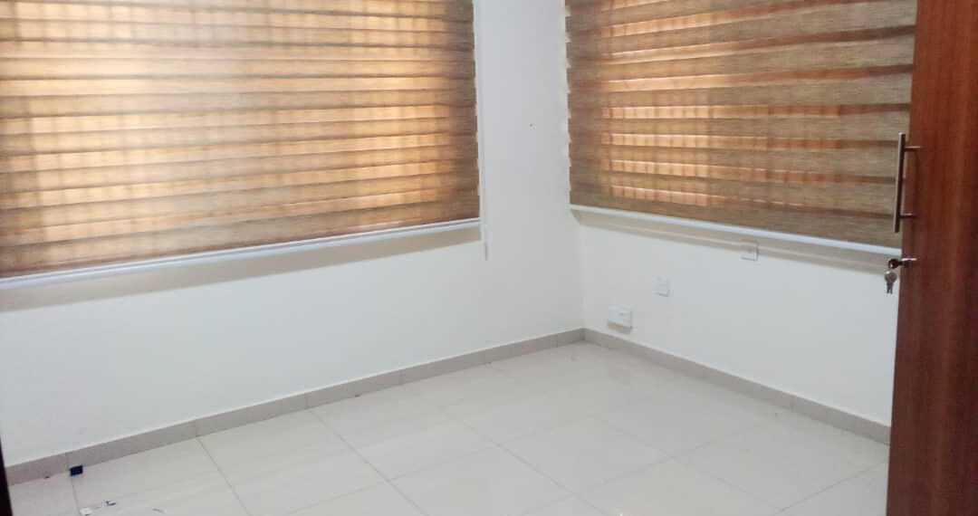 5 bedroom house for rent near the Bank Hospital at Cantonments in Accra 12