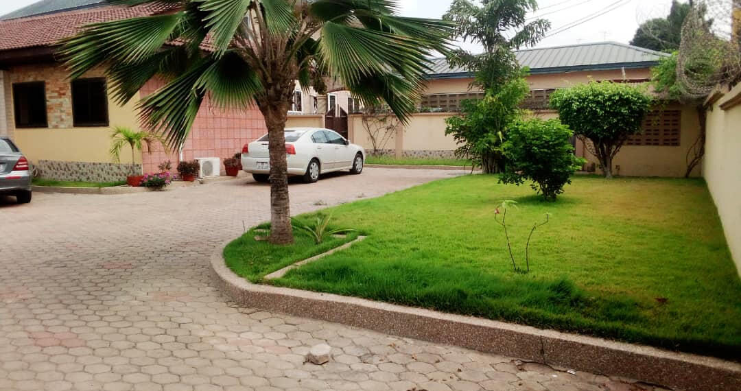 5 bedroom house for rent near the Bank Hospital at Cantonments in Accra 2