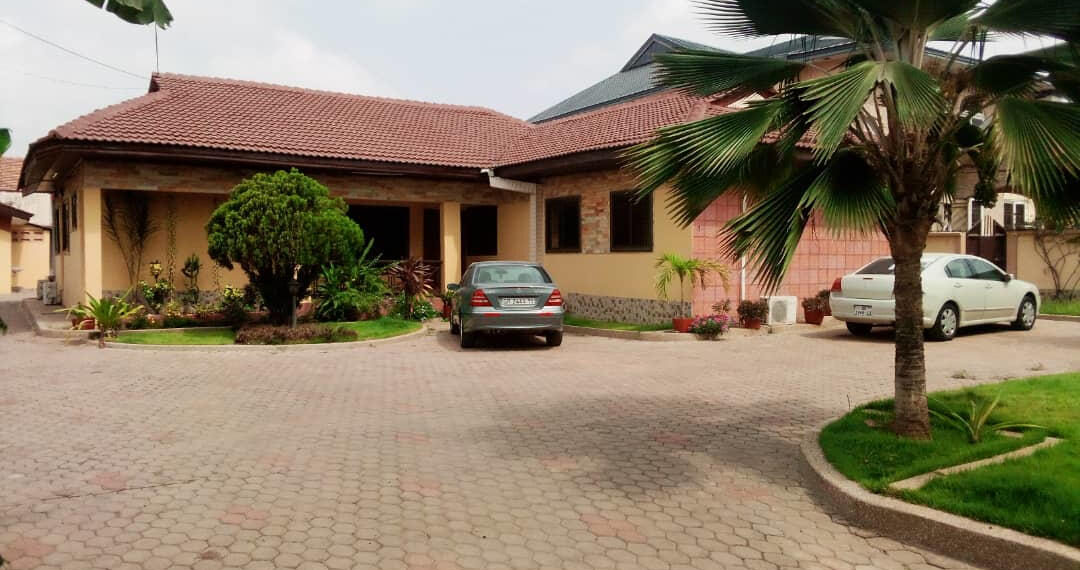 5 bedroom house for rent near the Bank Hospital at Cantonments in Accra
