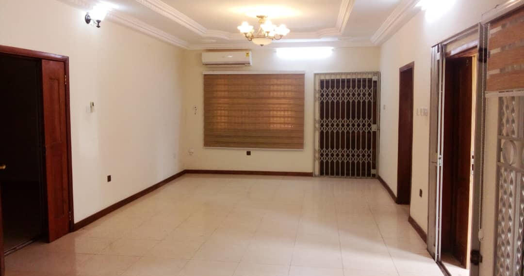 5 bedroom house for rent near the Bank Hospital at Cantonments in Accra 9