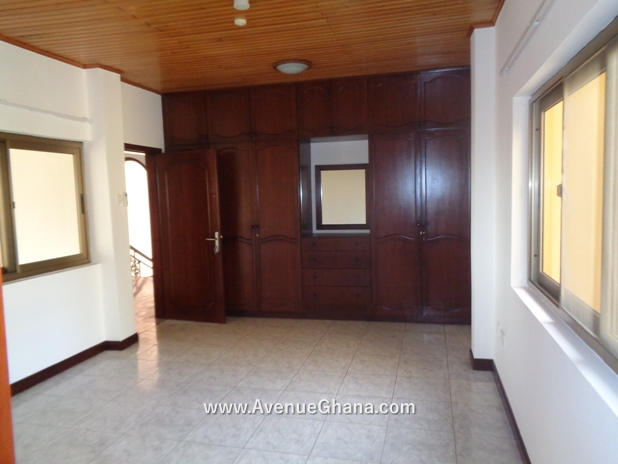 5 bedroom house with swimming pool for rent in Airport Residential Accra Ghana 10