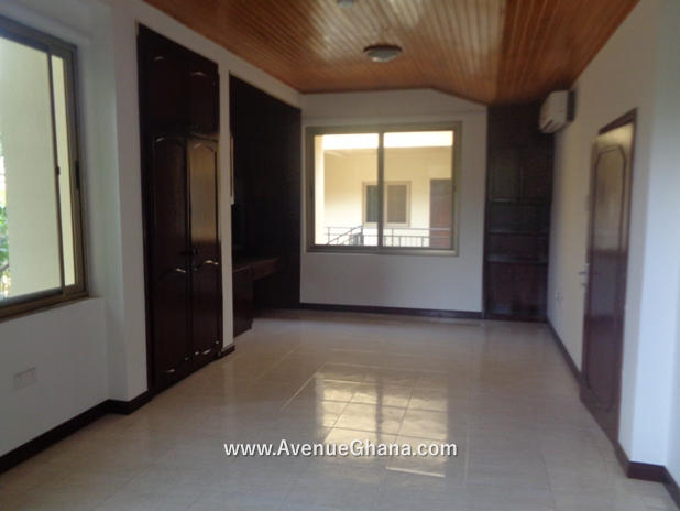 5 bedroom house with swimming pool for rent in Airport Residential Accra Ghana 11