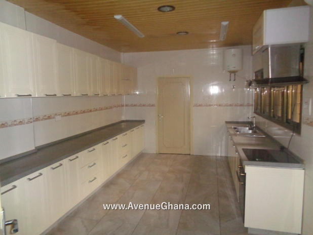 5 bedroom house with swimming pool for rent in Airport Residential Accra Ghana 12