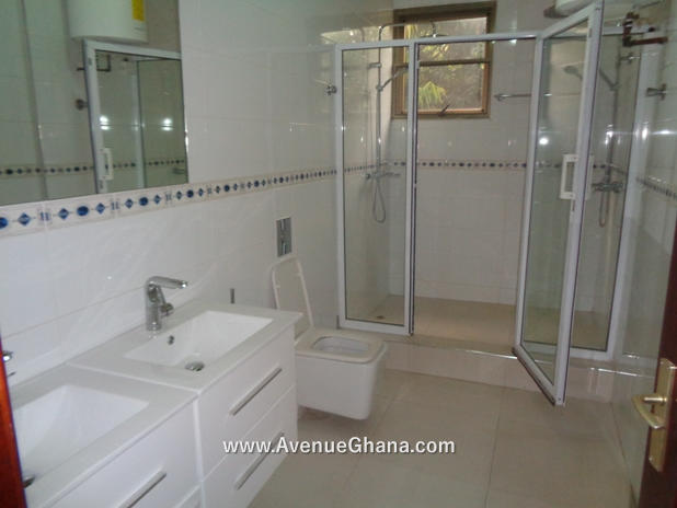 5 bedroom house with swimming pool for rent in Airport Residential Accra Ghana 13