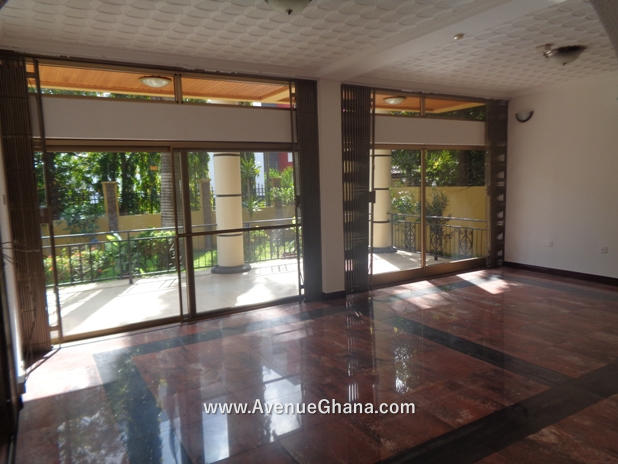 5 bedroom house with swimming pool for rent in Airport Residential Accra Ghana 8