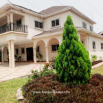For rent in Accra 4 bedroom house with swimming pool and 2 BQ at North Ridge near GIJ 2