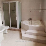 For rent in Accra 4 bedroom house with swimming pool and 2 BQ at North Ridge near GIJ 5