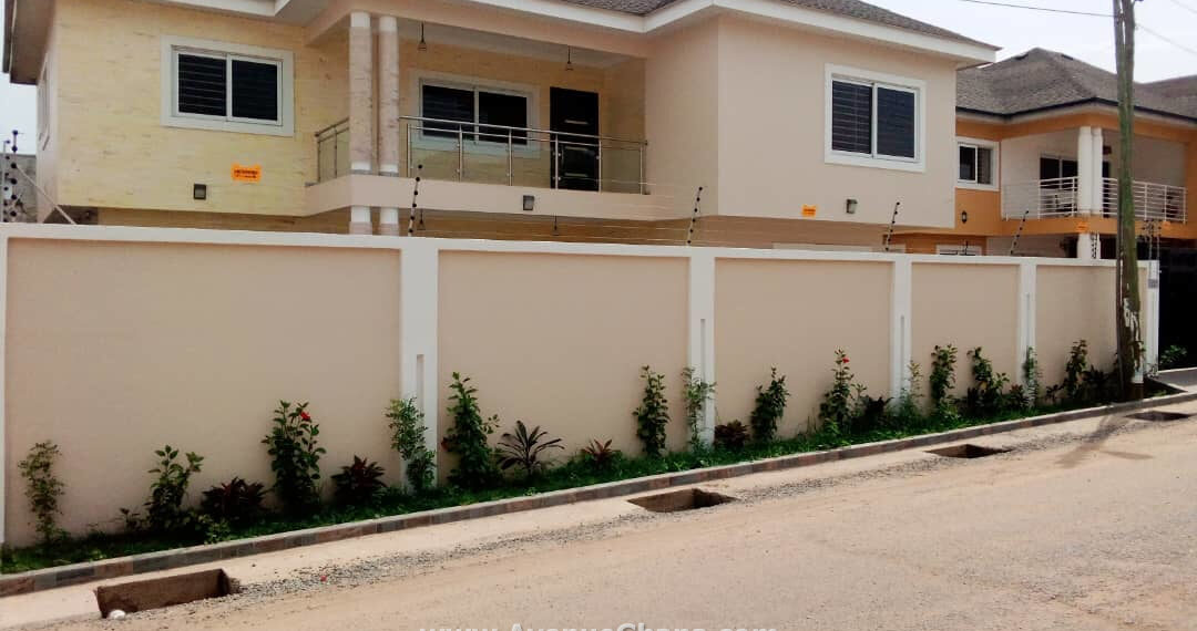 4 bedroom house with one room outhouse for sale at Tsado near Airport Hills in Accra